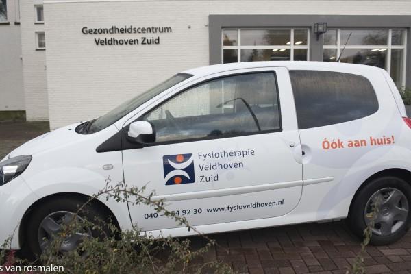 Illustratie van beletterde auto van Fysiotherapie Veldhoven Zuid 1