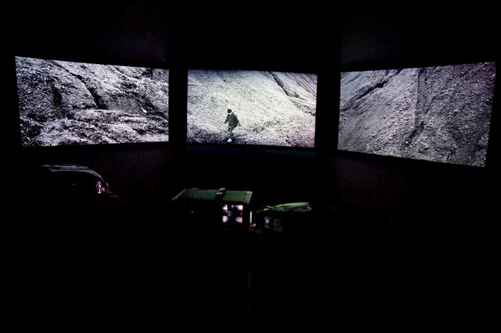 Wunderkammer / Alisa Javits: Kaari (Curator & image: Ville Laaksonen)