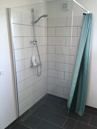 feriebolig m ed lækkert bad og toilet