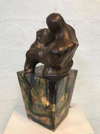 Smuk keramik figur i stentøjsler af Lea Grau fra Samsø