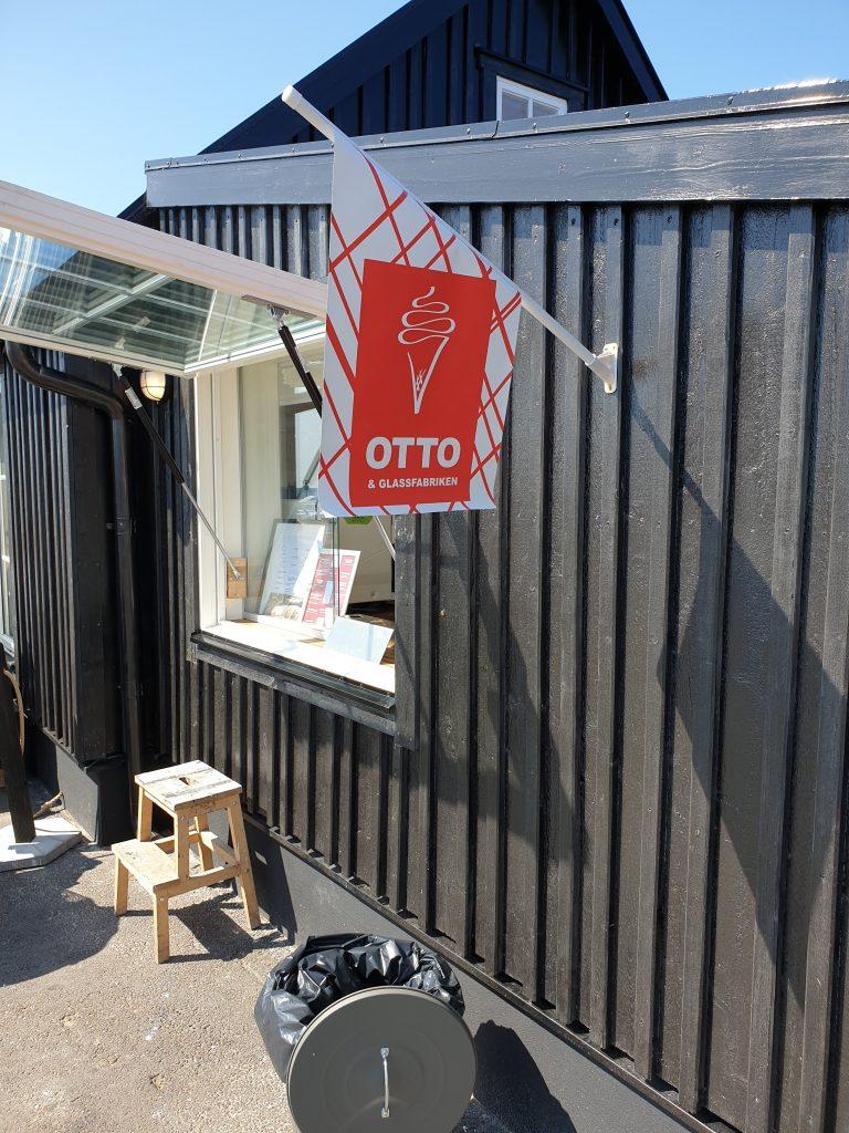 Bild på flagga från Otto och glassfabriken