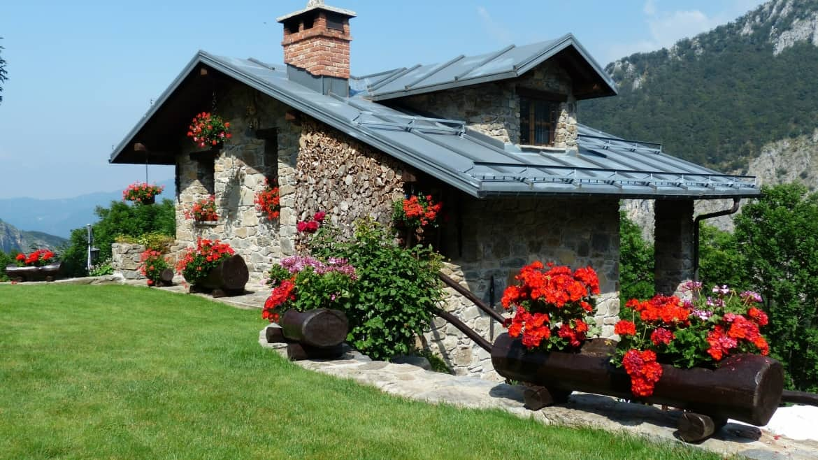 How To Increase the Kerb Appeal of your Property Through Garden Maintenance