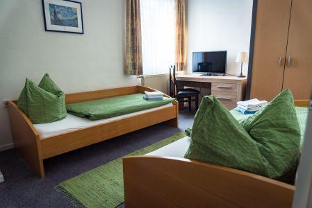 Koenigslinde-Hotel-Zweibettzimmer