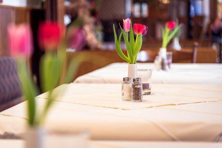 Koenigslinde-Restaurant-Blumen