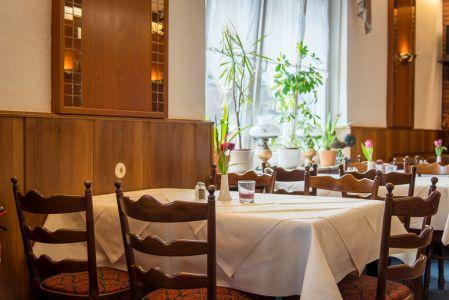 Koenigslinde-Restaurant-Essbereich