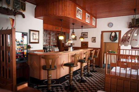 Koenigslinde-Restaurant-Theke