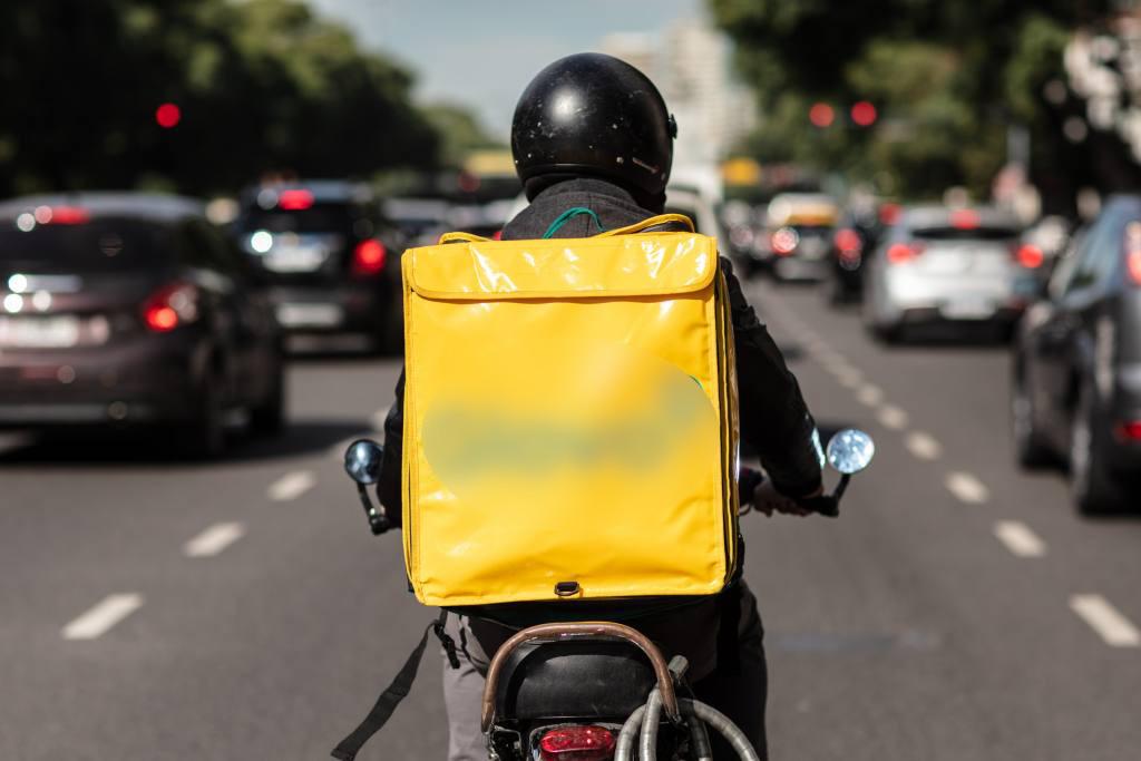 Repartidor en moto
