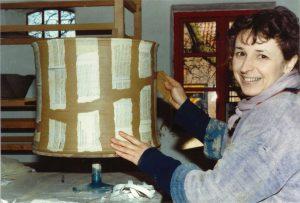 Gertrud på keramikværkstedet i 1986