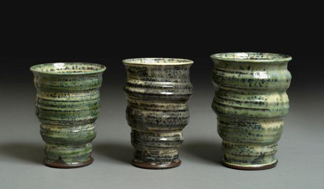 Tre hårdtbrændte vaser
