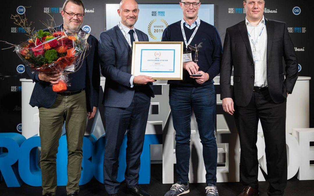 Årets-Robotvirksomhed-2019_prisoverrækkelse