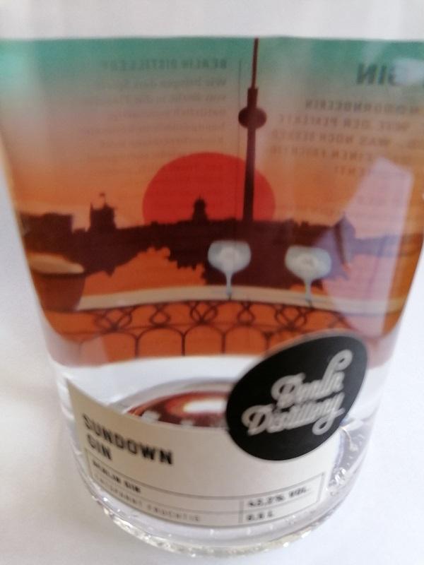 Skyline Berlin auf dem Gin-Label des Sundown Gin