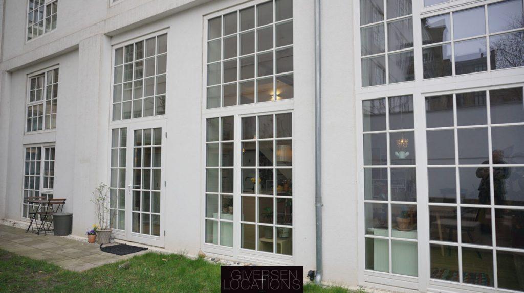 Location med store vinduer