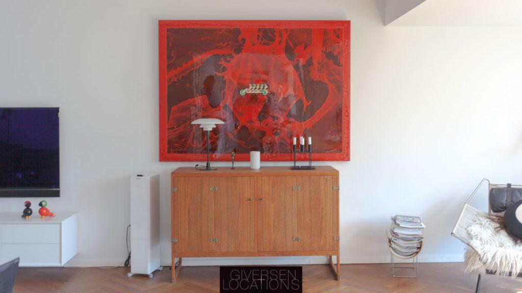 Enkelt indrettet Dansk design og lyse stuer