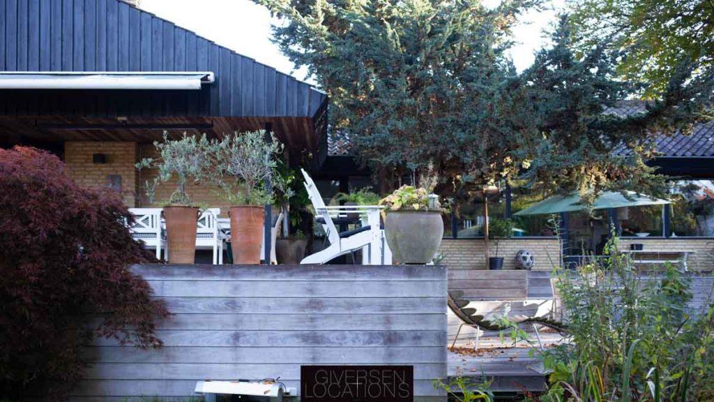 Skøn terrasse i ædeltræ