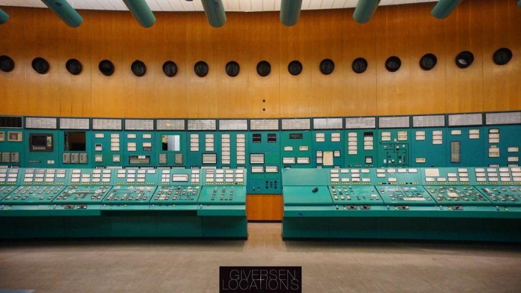 FLot gammelt kontrolrum