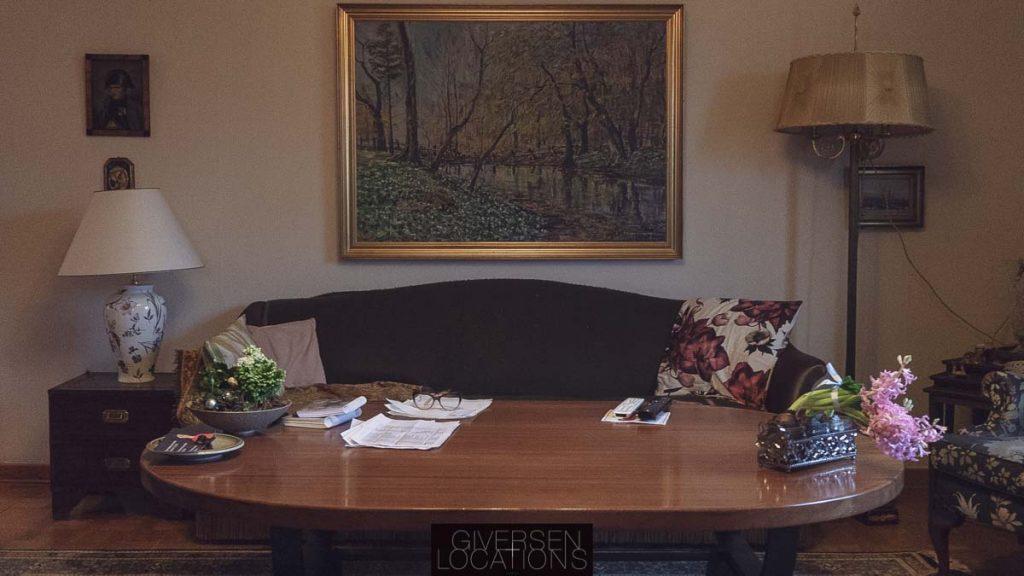 Tidslomme stue med sofa