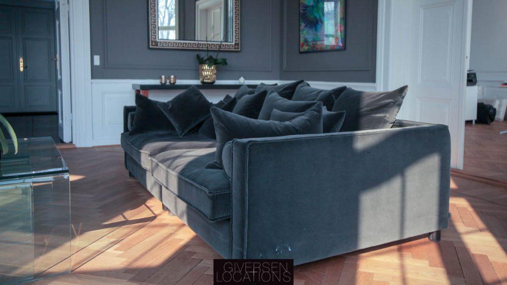 Bløde sofaer i luksusvilla på Strandvejen som location