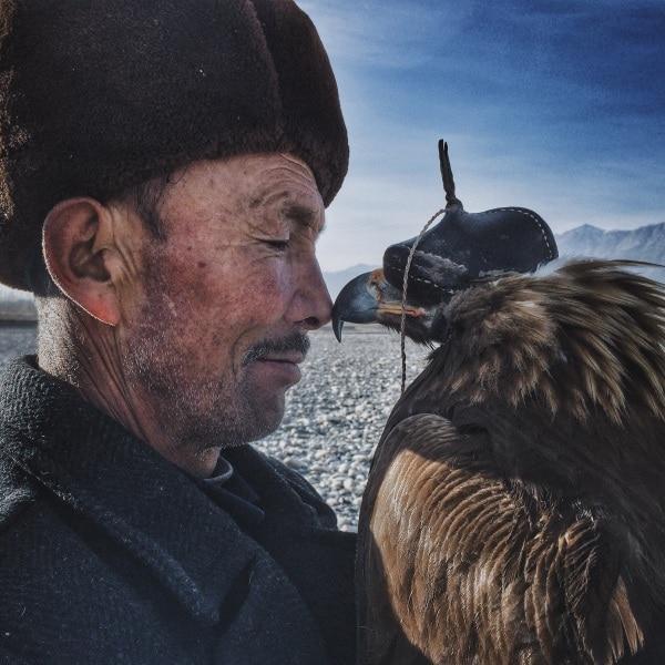 "Siyuan Niu, ""The Man with The Eagle"""