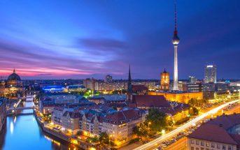 Visitare Berlino di notte