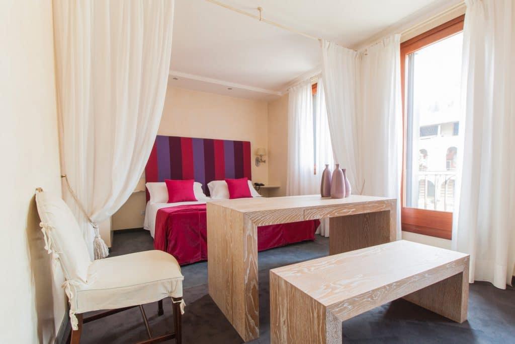 Camera del design ricercato dell'Hotel dei Chiostri