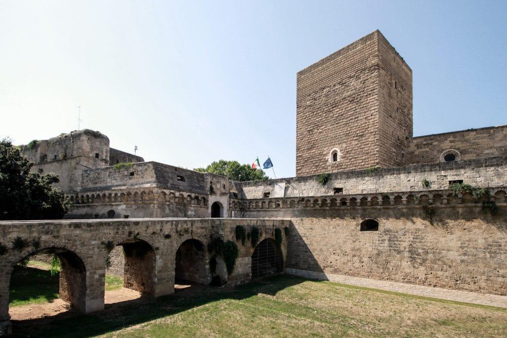 Vista dell'accesso al Castello normanno-svevo