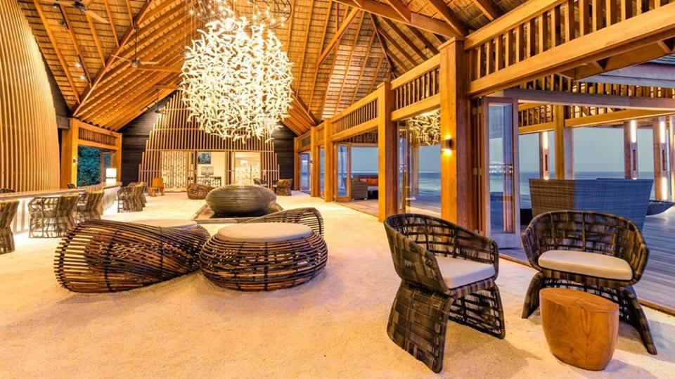Hurawalhi Island Resort Hotel