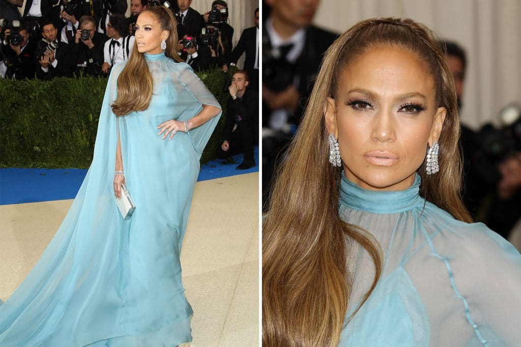 Jennifer Lopez in Valentino