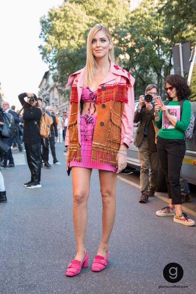 outfit di Chiara Ferragni fuori dalla sfilata di Prada