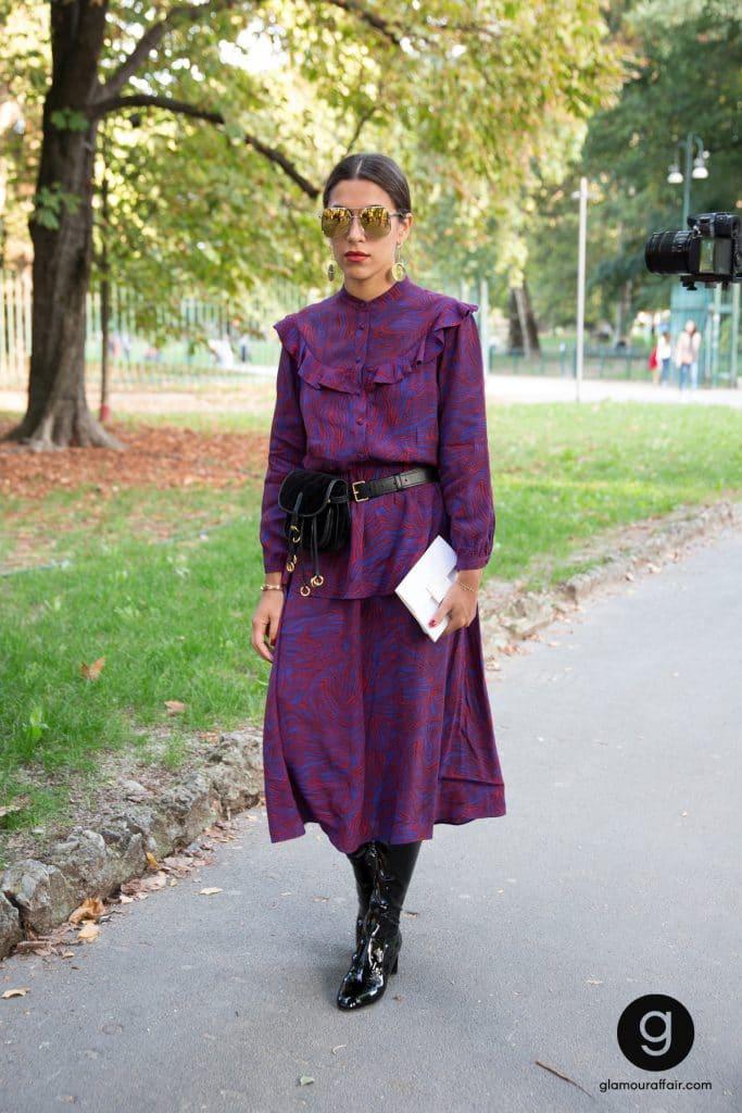 Street style e outfit fuori dalla sfilata di Versace