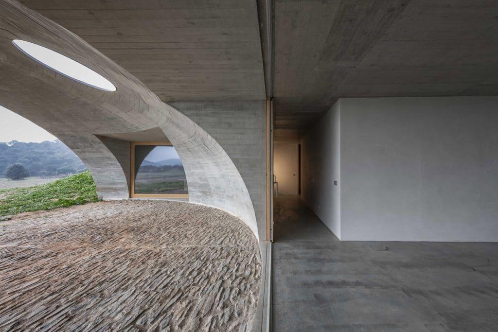 HOUSE IN MONSARAZ, GlamourAffair Vision 09, Maggio Giugno 2020. Magazine di fotografia, arte e design di Glamouraffair.com