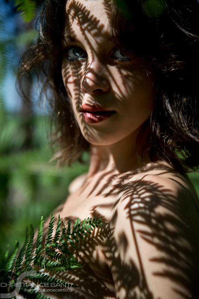 Categories: Glamour, Portrait; Photo: CHRISTIAN DE SANTI; Model: KLAUDIA; Location: TOSCANA