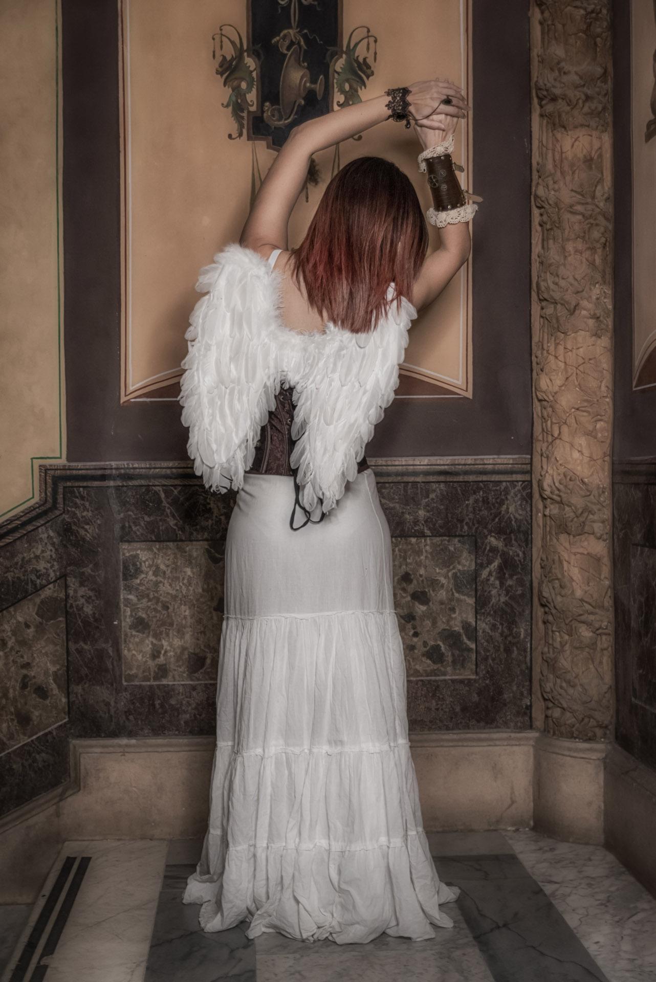 Categorie: Fine Art, Portrait; Photographer: FRANCESCO SCALZO; Model & Story: MIRIAM CARUSO; Location: Cosenza, CS, Italia