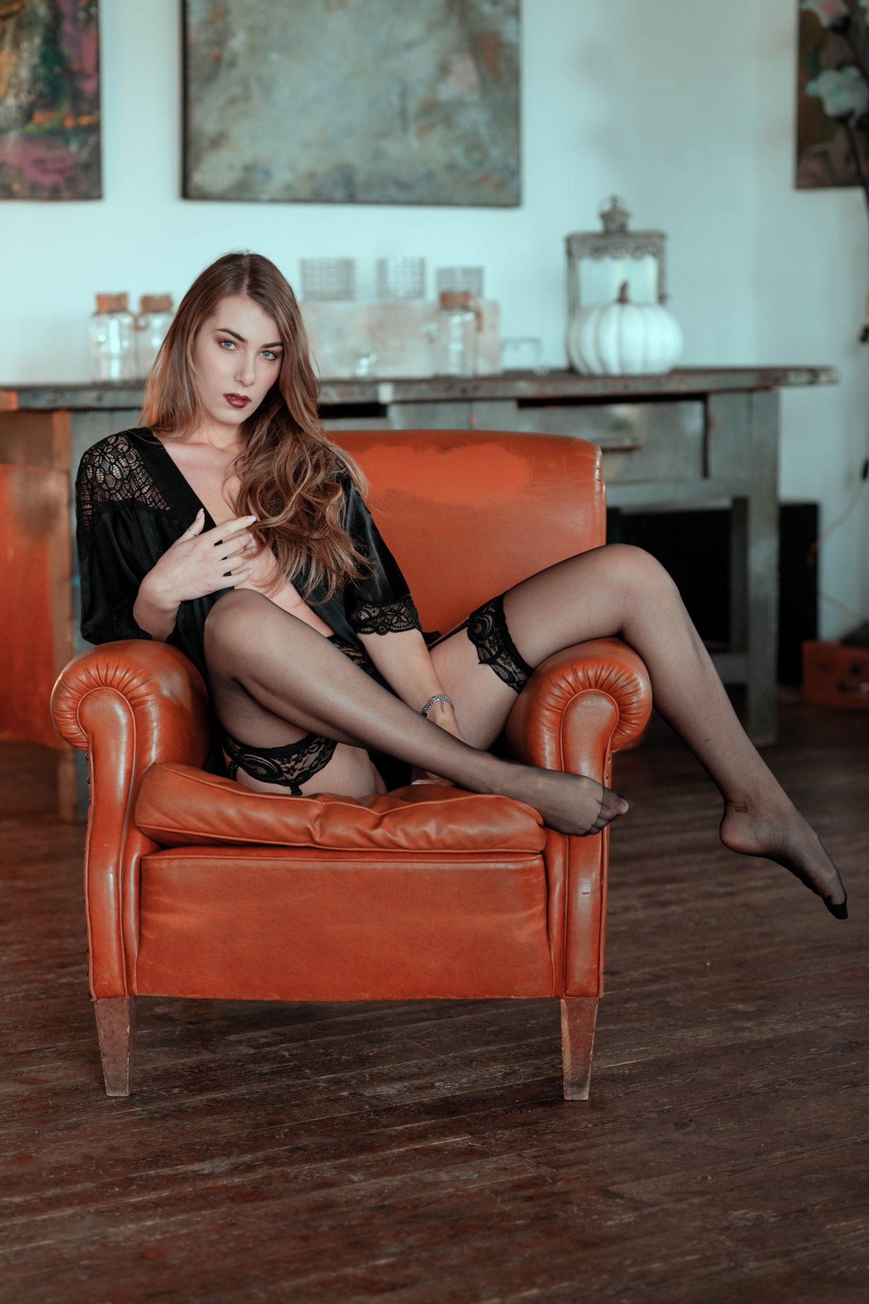 Categorie: Boudoir & Nude, Glamour, Portrait; Photographer: GIULIO IRVING; Model: ALESSIA MARSEGLIA; Make-up: BARBARA KENPACHI; Location: Roma, RM, Italia