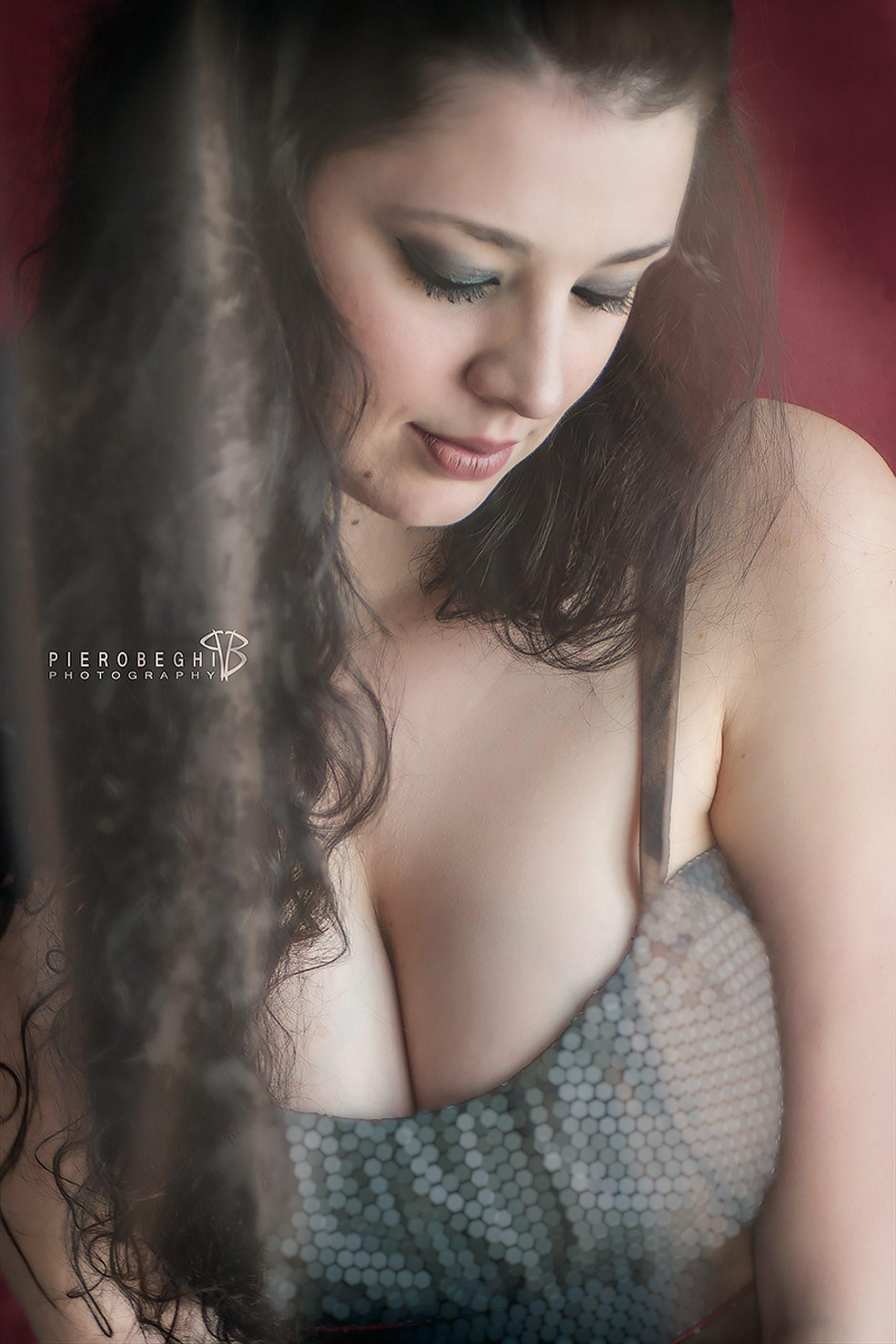 Categorie: Boudoir & Nude, Glamour, Portrait; Photographer: PIERO BEGHI; Model: IMY; Location: Ghedi, BS, Italia