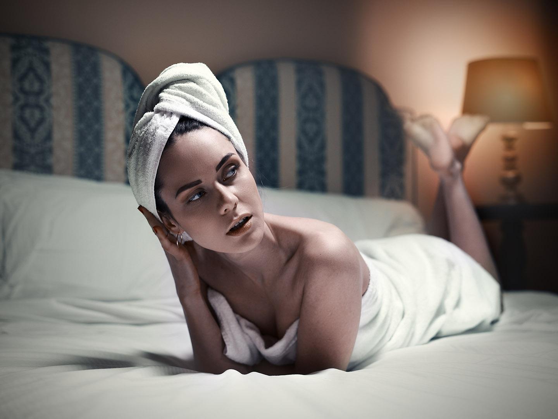 Categorie: Boudoir & Nude, Fine Art, Glamour, Portrait; Photographer: LUCA BARTOLI (ElleBierre photographer); Model: ANA DRACINSCHI; Mua: ANTONELLA IOVINE; Location: Ferrara, FE, Italia