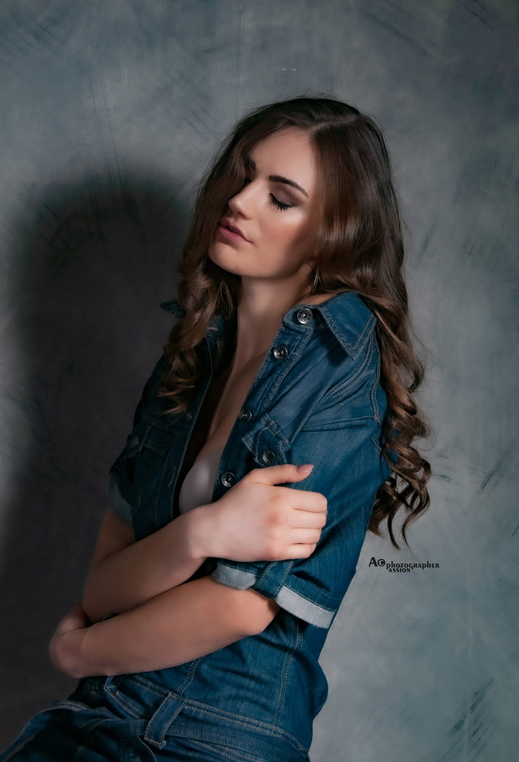 Categorie: Fashion, Glamour, Portrait; Photographer: ALESSIO CUNEGO; Model:DENYSA KOLYA; Location: Trend Studio, Via Giovanni da Milano, Milano, MI