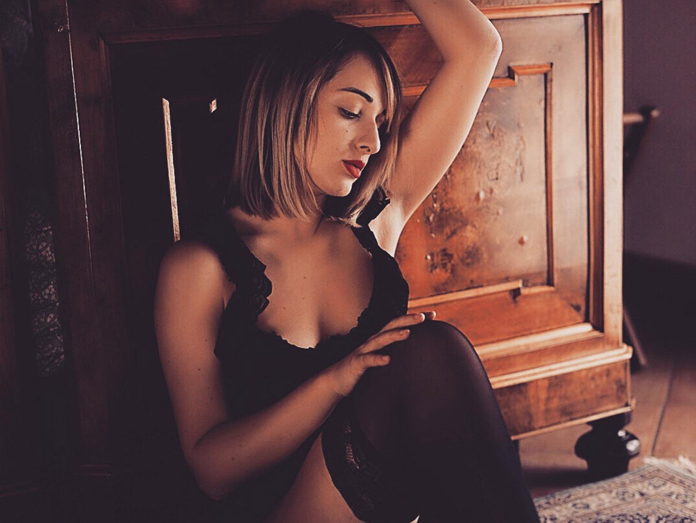 Categorie: Boudoir & Nude, Fashion, Glamour, Portrait; Model: BEATRICE TORBOLI (Beatrixis_); Photographers: LUCA BARTOLI, (ElleBierre photographer), MARIS CASAMENTI, DARIO GENOVESE; Location:Bologna, BO, Italia