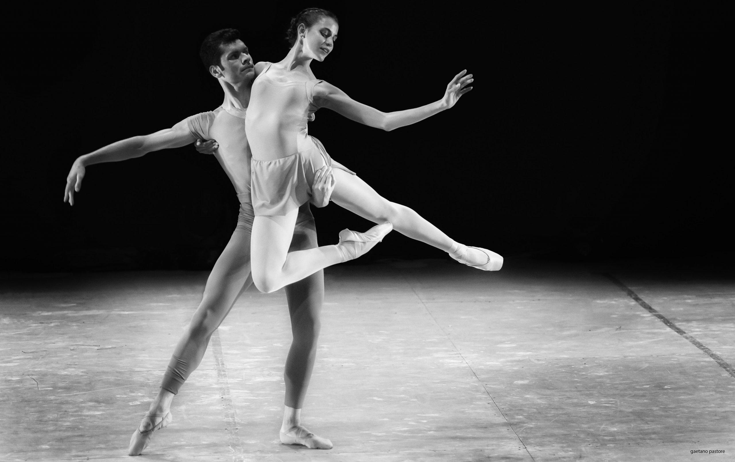 Categorie: Portrait, Sport; Photographer: GAETANO PASTORE; Dancers: FRANCESCO AVERSANO & MARTINA MARROCCOLO; Location: Accademia Nazionale di Danza, Roma, RM, Italia