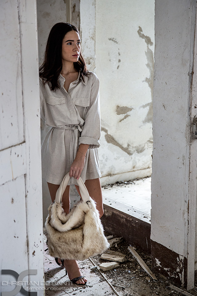 Categorie: Fashion, Portrait; Photographer: CHRISTIAN DE SANTI; Model: ALICE POLI; Location: Toscana