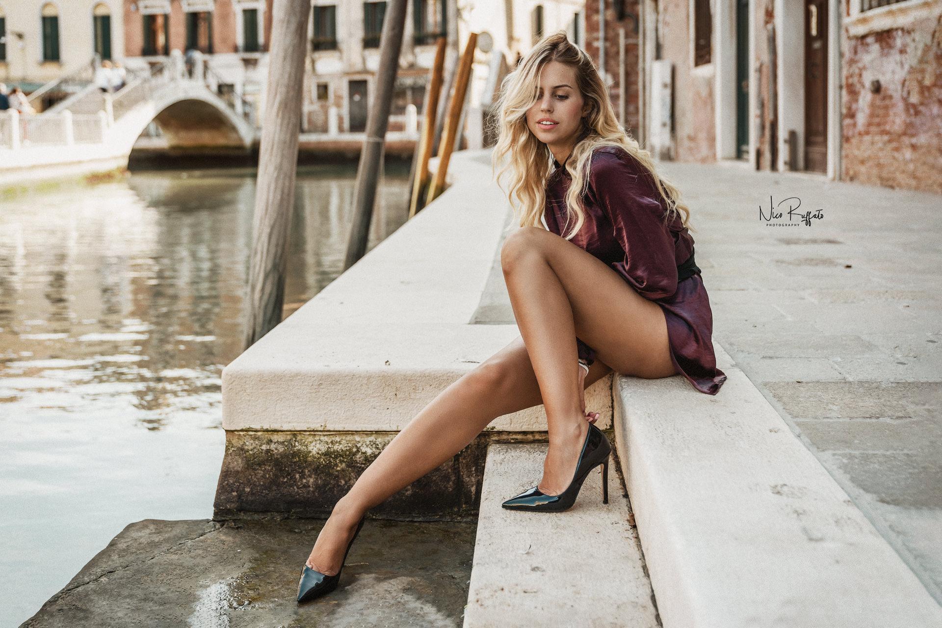 Categorie: Fashion, Glamour, Portrait, Street; Photographer: NICO RUFFATO; Model: SILVIA MENEGHINI; Location: Venezia, VE, Italia