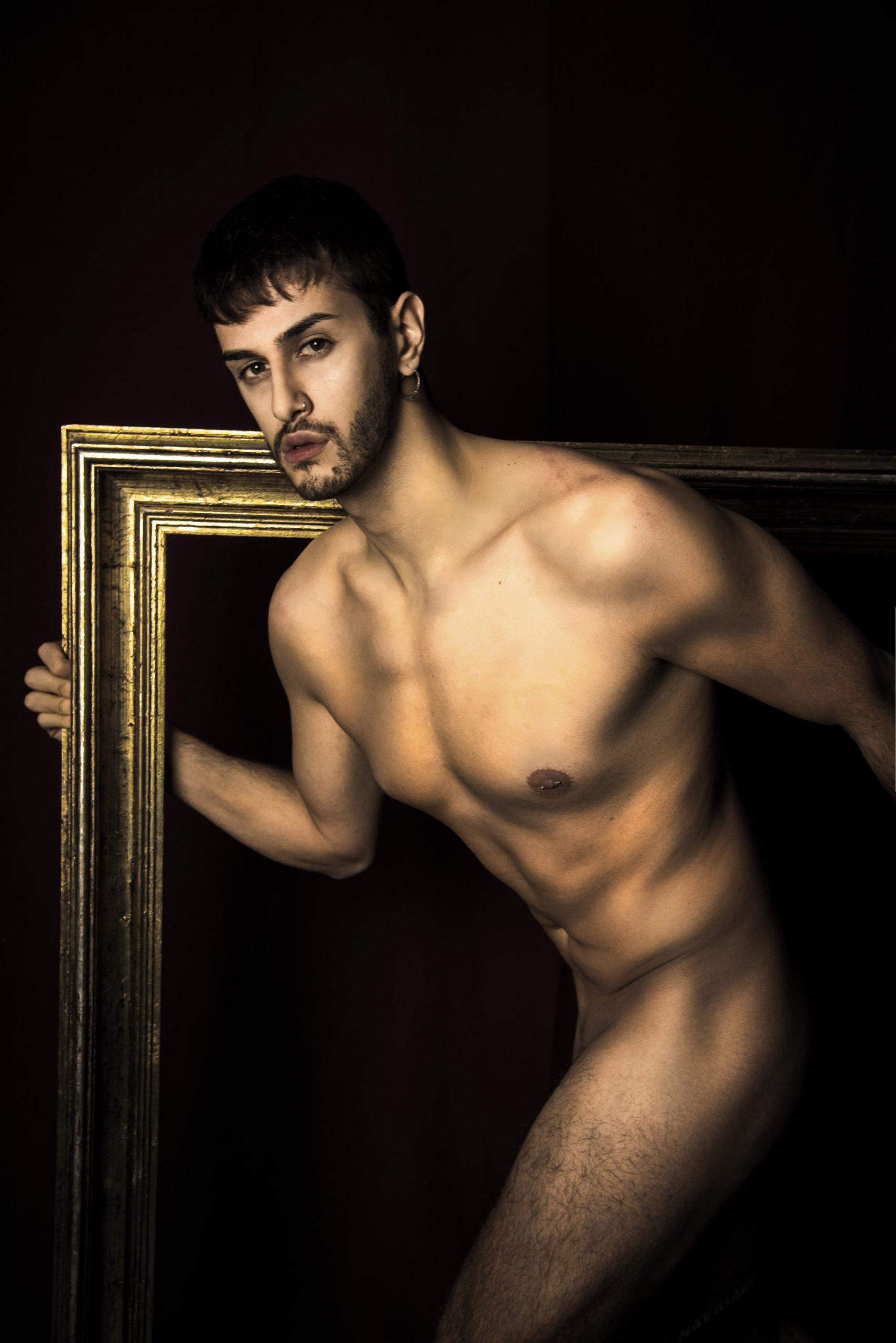 Categorie: Boudoir & Nude, Portrait - Photographer: GENNARO FRANCO (Interlunium) - Model: ALESSANDRO COCORULLO - Location: Napoli, NA, Italia