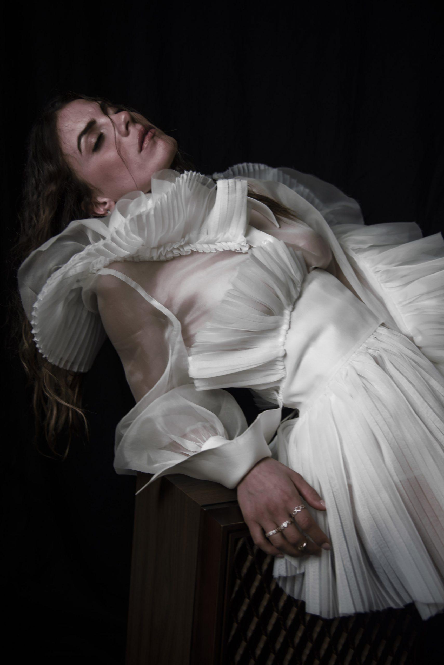 Categorie: Fashion, Fine Art - Photographer: GENNARO FRANCO (Interlunium) - Stylist: FRANCESCA STELLATO - Location: Napoli, NA, Italia