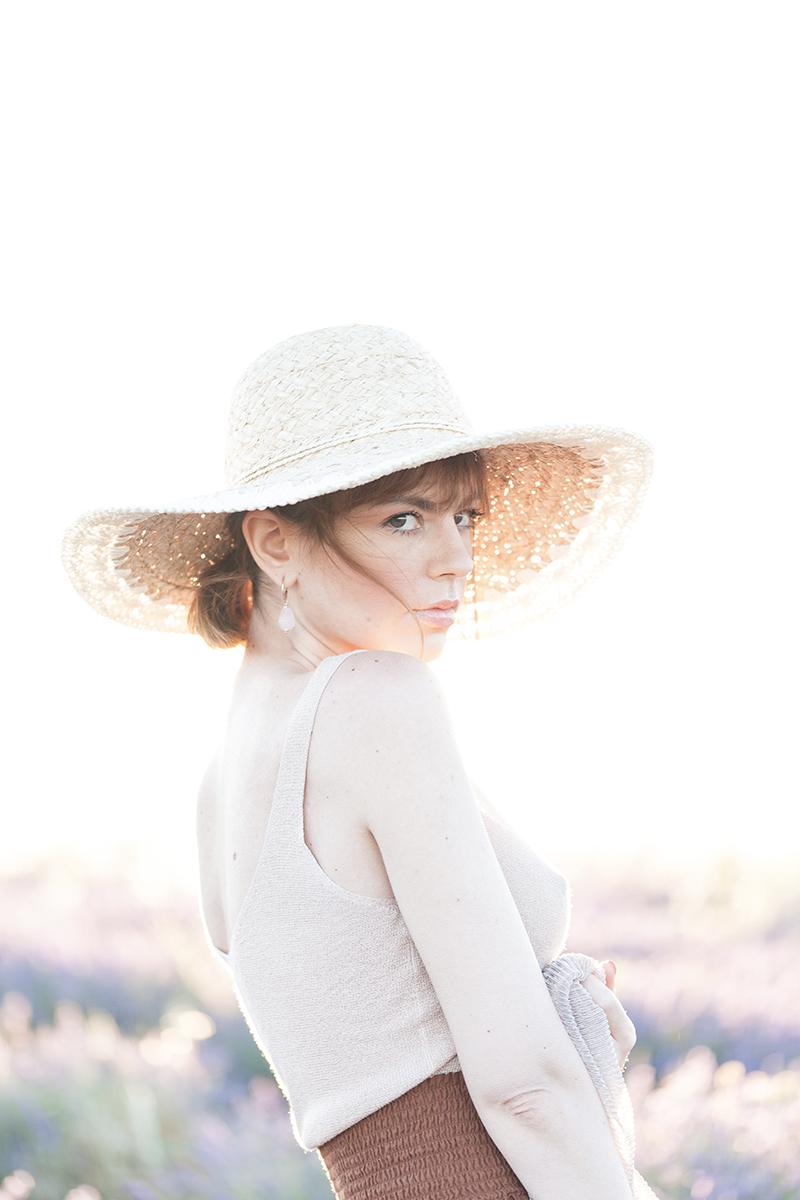 Categorie: Fashion, Glamour, Landscape & Nature, Portrait - Photographer: ANDREA CASALENUOVO, ENRICA TOSI, MATTEO MARTIN - Model: MIMI - Location: Valensole, Provenza-Alpi-Costa Azzurra, Francia