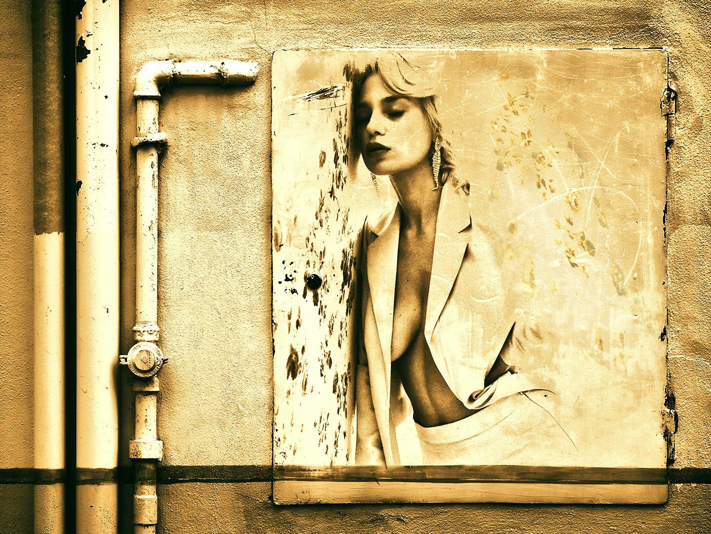 Categorie: Boudoir & Nude, Fine Art, Glamour, Portrait - Photographer: ANDREA FRANCHI - Models: BOBONCO, CARLOTTA ADACHER, MISS MARIKA - Workshop di CARMILLA RED - Location: Firenze, FI, Italia