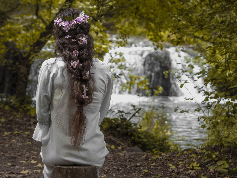 Categorie: Glamour, Landscape & Nature, Portrait - Photographer: @noemily_ph - Model: VANESSA CORSOA - Mua: DEBORA VINCI - Hair Style: ANNA PROIETTI - Location: Cascate di Monte Gelato, Mazzano Romano, RM, Italia