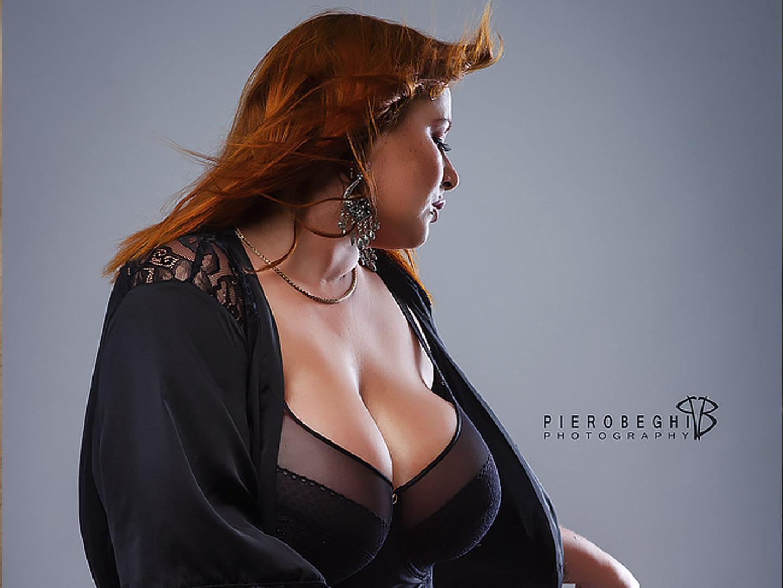Categorie: Glamour, Portrait, Fashion - Photographer: PIETRO BEGHI - Model: AMBRA SELENE ZIGGIOTTO - Location: Ghedi, BS, Italia