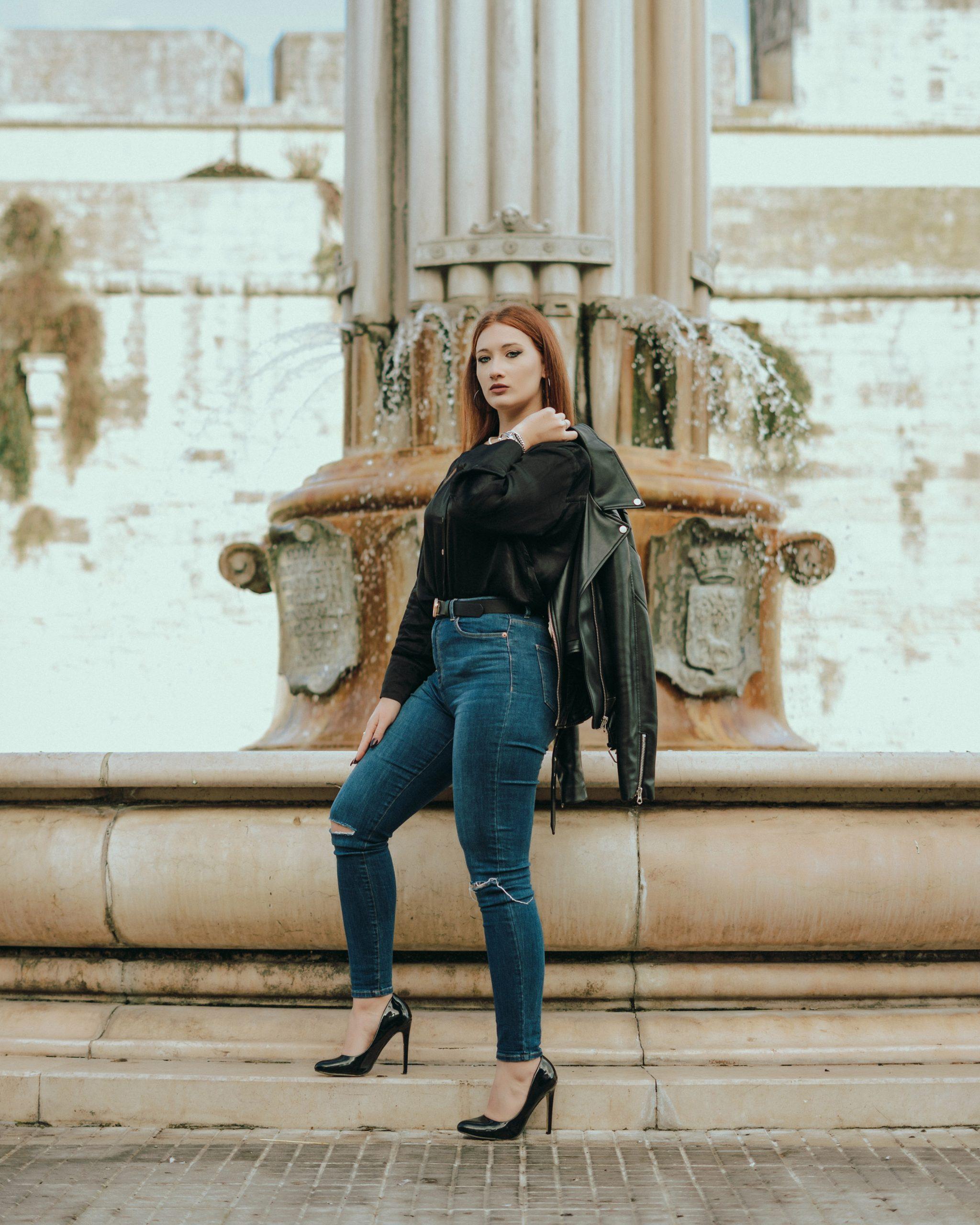 Categorie: Fashion, Portrait, Street - Phr: ANDREA MAGGIO - Model: Annalaura Gaetani - Location: Lecce, Italy