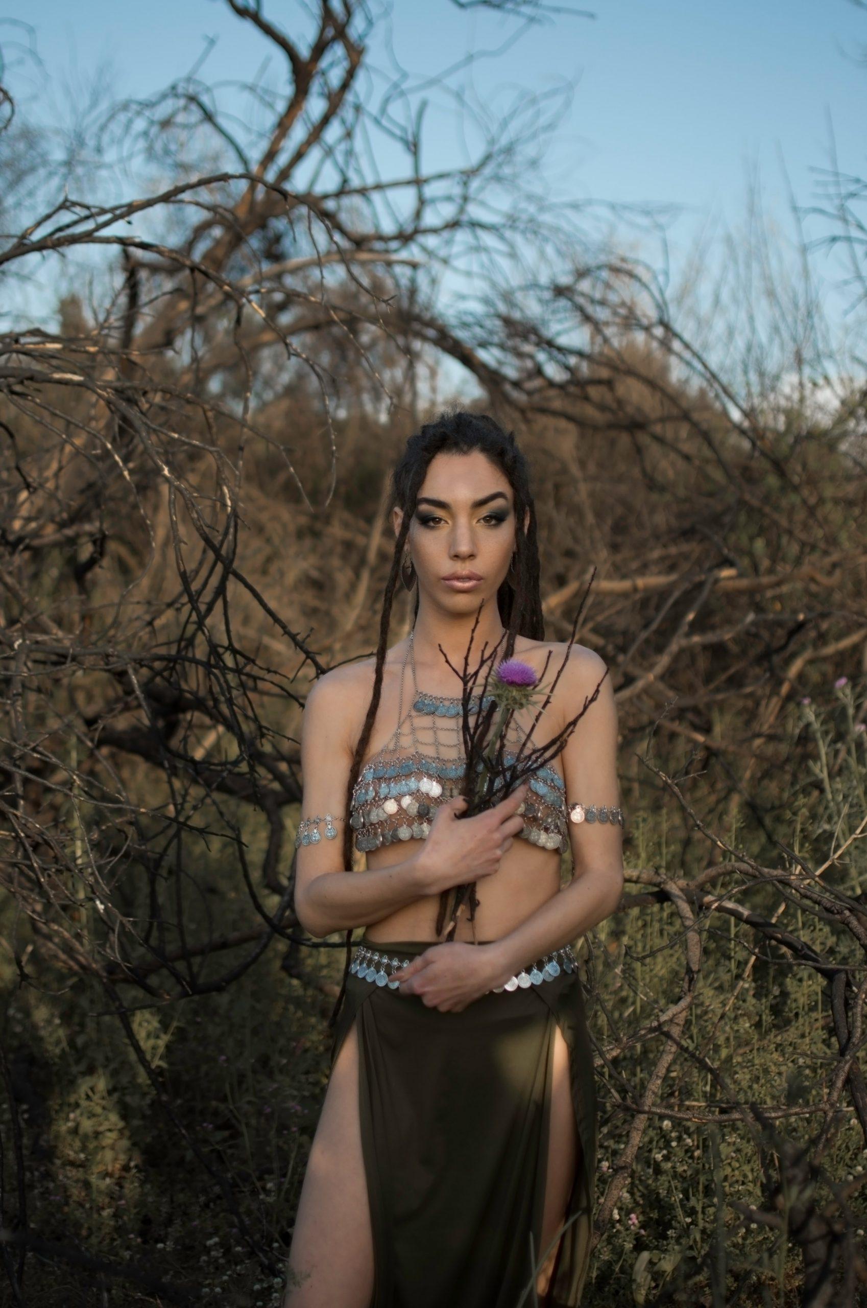 Categorie: Glamour, Portrait - Photographer & Model: VALERIA DE RISO; Model: GAIA FREDA; Mua: SONIA VITOLO; Stylist: TIZIANA SANTORO - Location: Cellole, CE, Italia