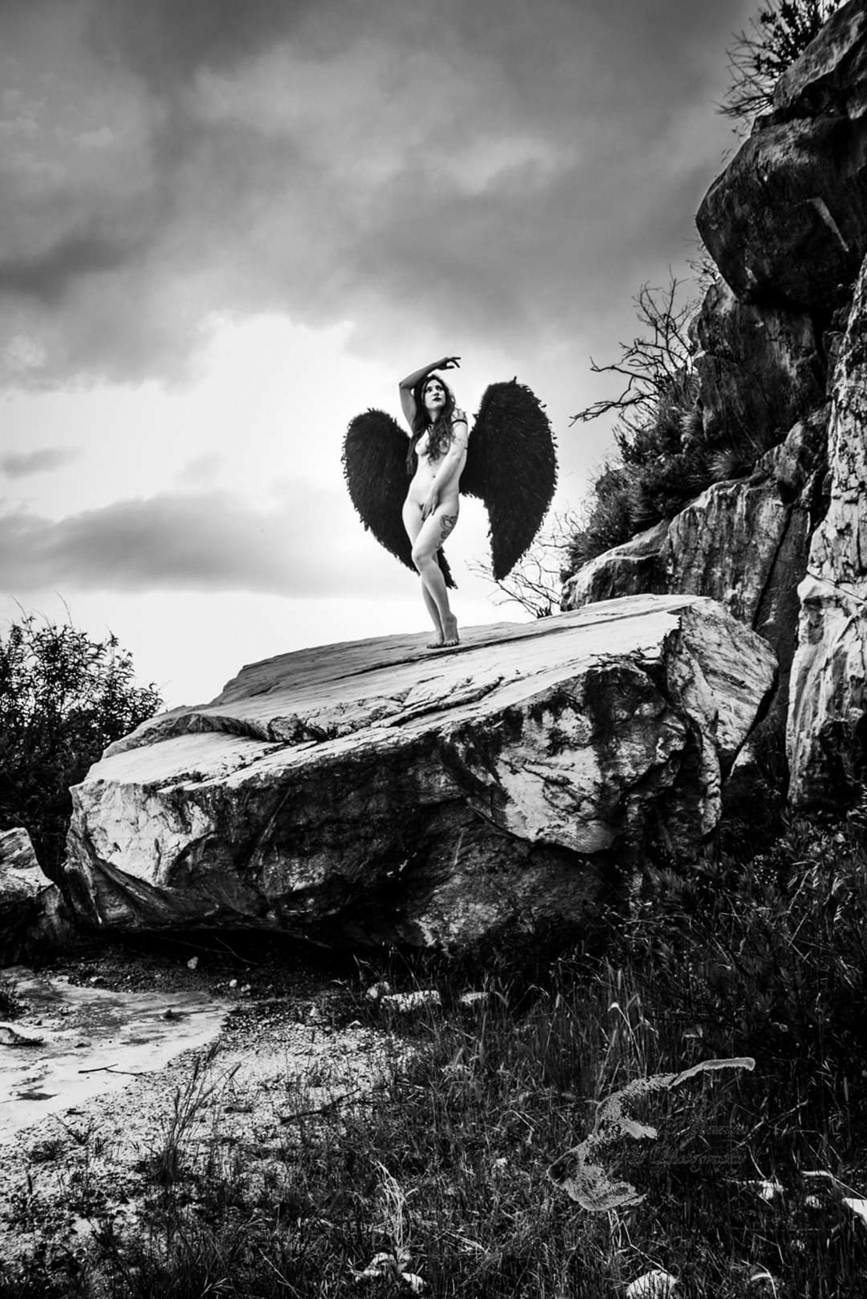 Categorie: Portrait, Boudoir & Artistic Nude, Glamour - Photographer: Luana Cimmino - Model: Kiara Aradia- Location: Massa, MS, Italia