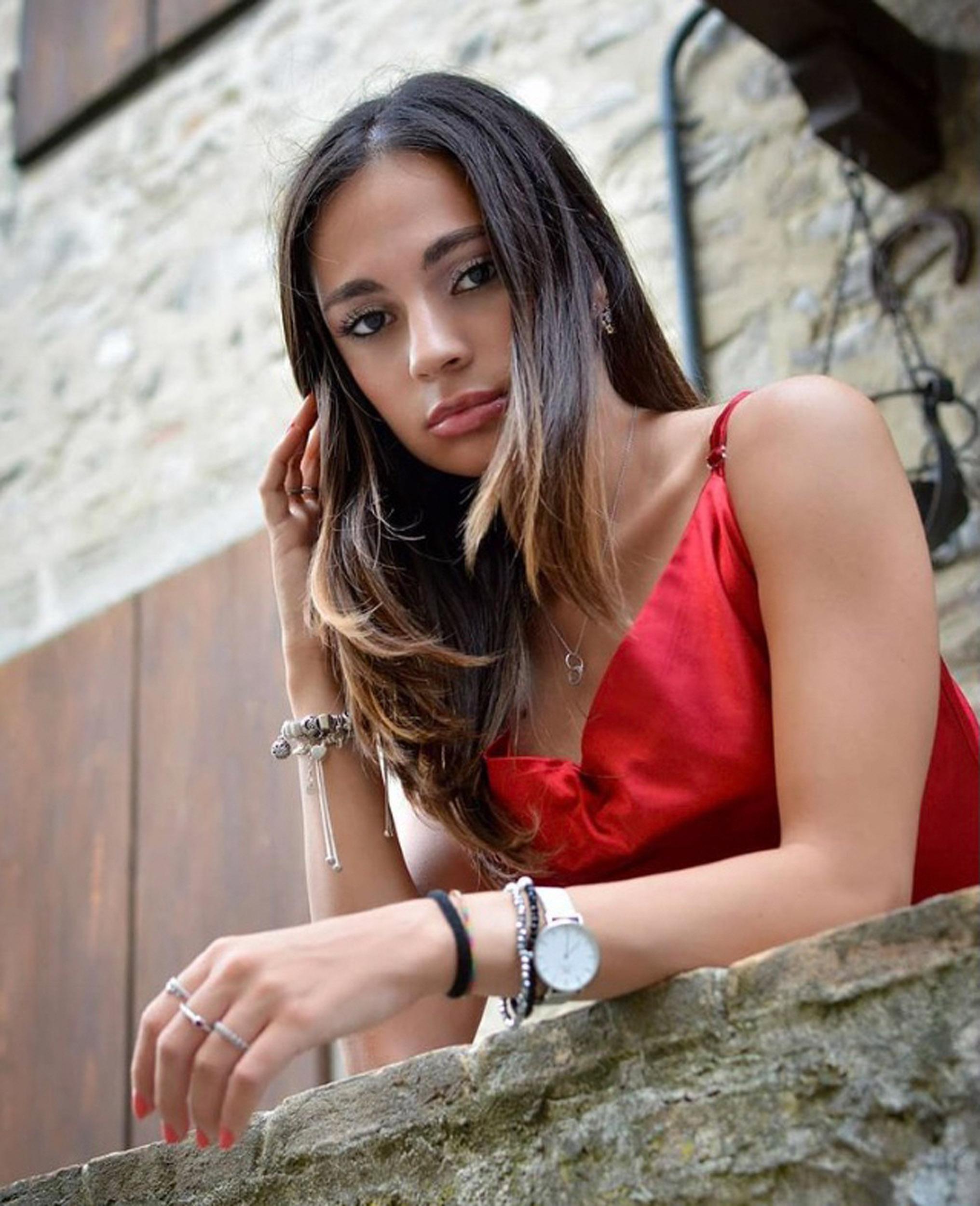 Categorie: Portrait, Glamour, Fashion - Ph: TEOPH87- Model: SHARON SAVINO - Location: Castello di Torrechiara, Parma, PR, Italia